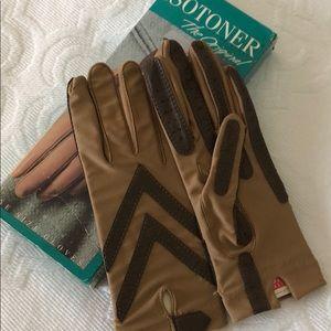 NWT Isotoner gloves